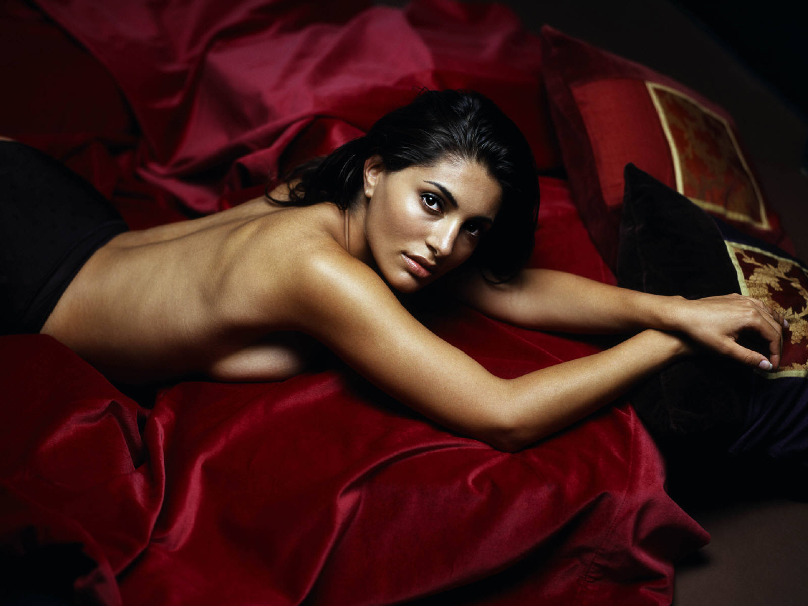 Girl bond caterina murino