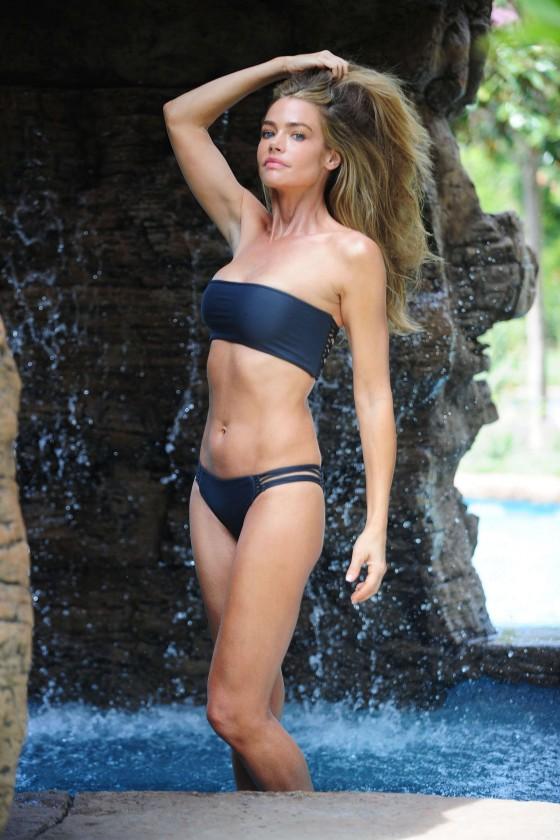 Denise richards in bikini wild things on scandalplanetcom - 3 part 4