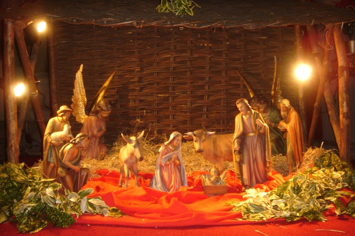 Nativity_scene_Church_of_Our_Lady_and_the_English_Martyrs_Cambridge
